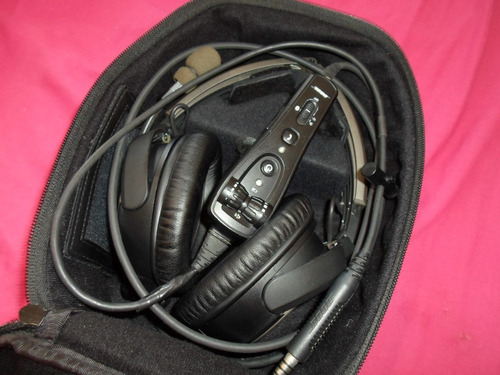 fone bose a20 aviation headset + case + cabo aux