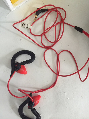 fone ear buds by jbl powered sports resistetente a suor e ag