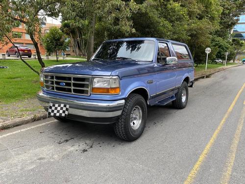 ford bronco 4x4 restaurada