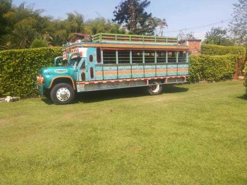 ford bus escalera