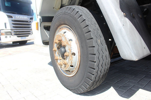 ford cargo 1317 4x2 chassi toco ano 2011 volks mb mercedes