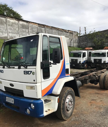 ford cargo 1317e ano 2006 chassis