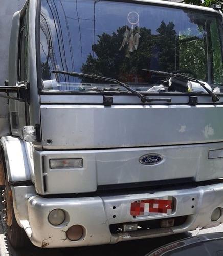 ford cargo   1421   bau  8 metros   ano  2002