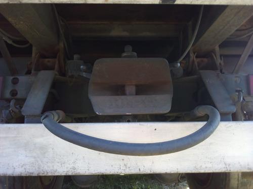 ford cargo 1422 doble eje con volcadora