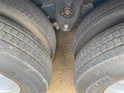 ford cargo 1517 2010 baú 6x2