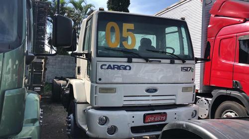 ford cargo 1517 6x2 transporte de tambores vazios