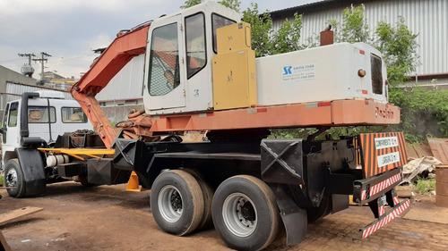 ford cargo 1619 90 6x2 garra sucateira eletroimã poclain