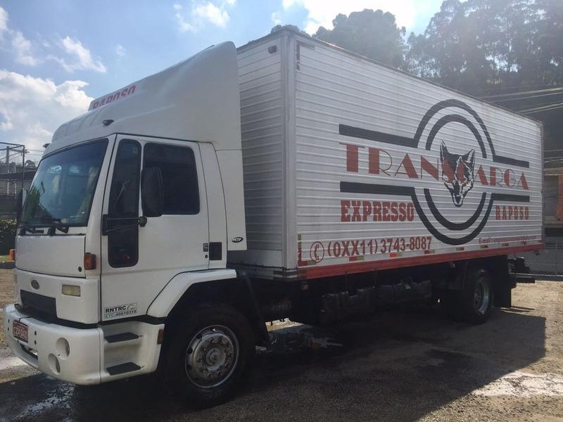 ford cargo 1630  ano 2002 toco baú não é truck 250 mil km.
