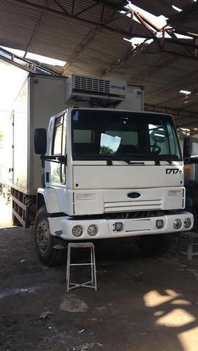 ford cargo 1717 toco ano 2007 com baú frigorífico.
