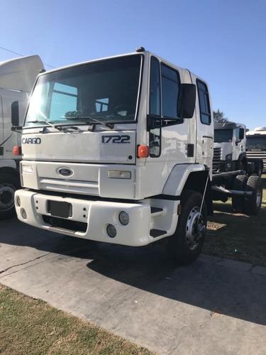 ford cargo 1722  2003  anticipo + financiación