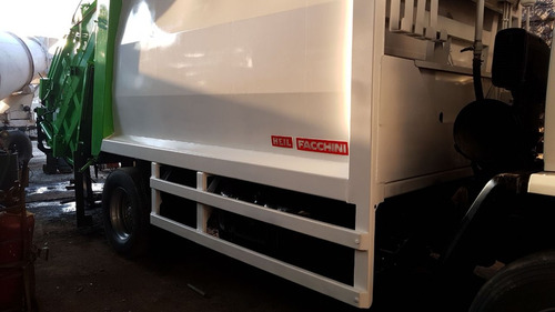 ford cargo 1722 com compactador de lixo 2011 muito novo