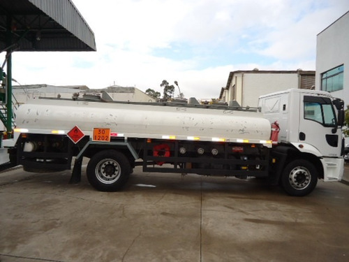 ford cargo 1723 tanque