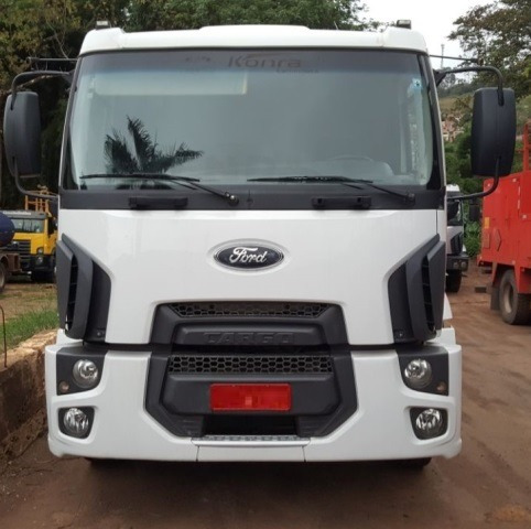 ford cargo 1932 4x2 ano 2011/2012