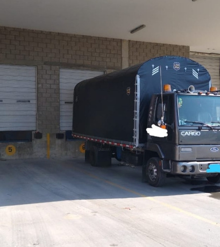 ford cargo 2006