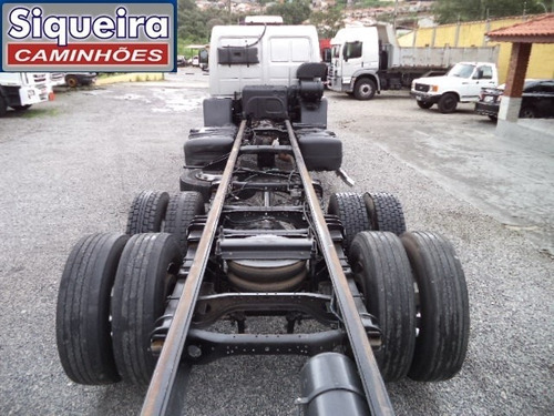 ford cargo 2422 2010