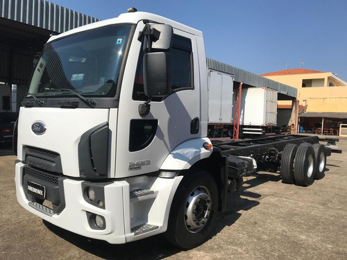 ford cargo 2423 2013 chassi
