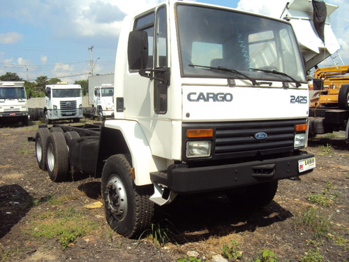 ford cargo 2425 6x4 branco ano 2000