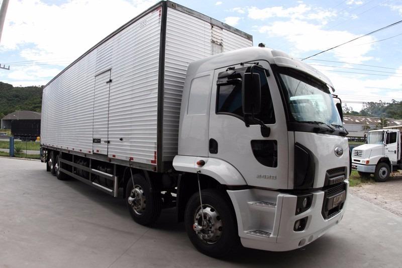 Ford Cargo 2428 Ano 2014 Com Baú - 2014 - R$ 150.000 em