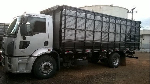 ford cargo 2428 boiadeiro  ano 2014