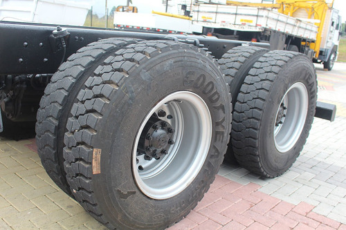 ford cargo 2628 6x4 ano 2007 chassi = mb 2726 2729 2429