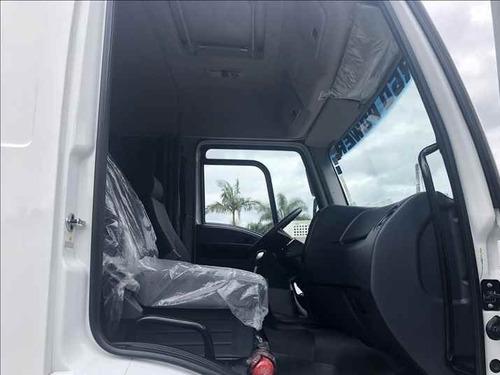 ford cargo 3031 8x2 c/ tanque de combustível 2018/19