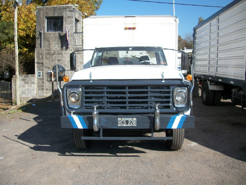 ford cargo 7000 d/h caja paquetera  muy buen camion .