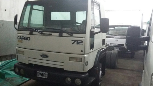 ford cargo 712 , permuto , financio$200000 y cuotas