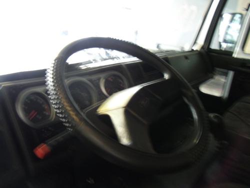ford cargo 815 / 2009 baú chapeado