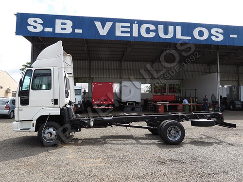 ford cargo 815 3/4 2006 chassi - sb veiculos