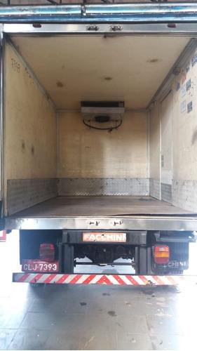 ford cargo 815 baú refrigerado ano 2004