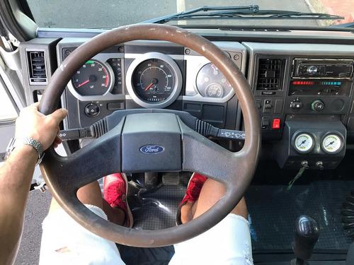 ford cargo 815 carroceria