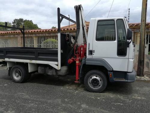 ford cargo 815 con grua incluida para instalaciones electric