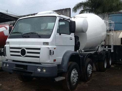 ford cargo com betoneira de concreto usada traçado 2002