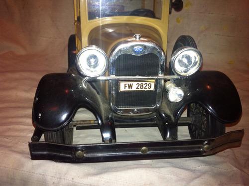 ford coche .jim bean. no hot wheels.no corgi.no bburago.
