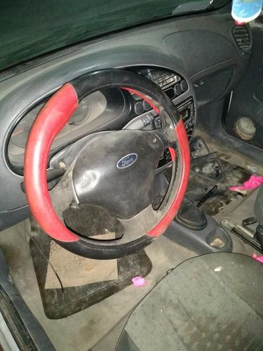 ford courier para reparar y requiere las 4 llantas