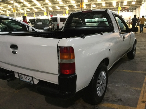 ford courier std 5 vel 2010
