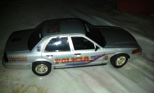 ford crown victoria policiales esc 1/18 marca motormax