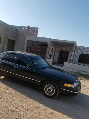ford crown victoria se vende o posibles