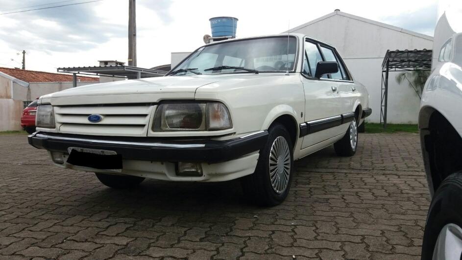 Ford Del Rey Ghia Carregando Zoom