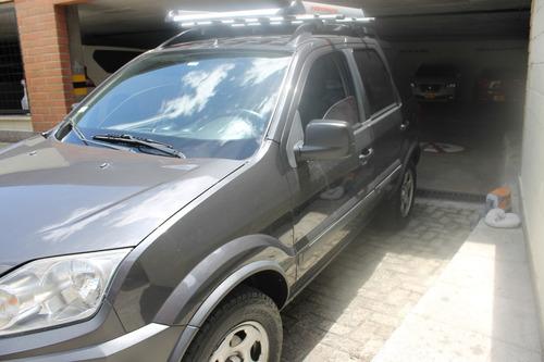ford eco sport 4x2 cilindraje 2.0 modelo 2012 5 puertas