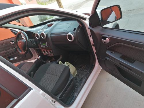 ford ecosport equipada