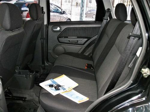 ford ecosport  xlt automática e único dono... pneus novos