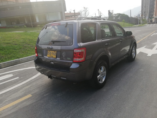ford escape [2] xlt at 3000cc 4x4