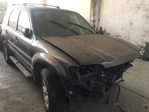 ford escape 2005 para reparar
