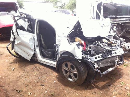 ford escape 2014 4 cil. automatica accidentada