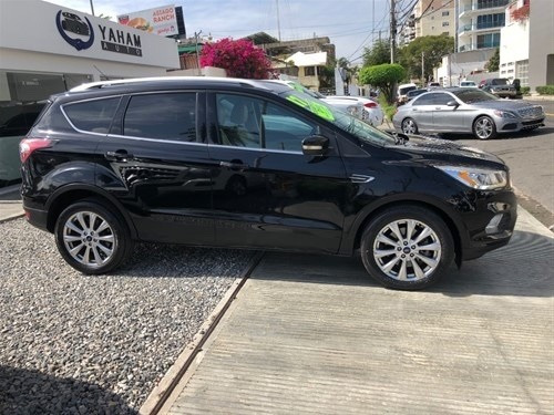 ford escape 2017 titanium full clean