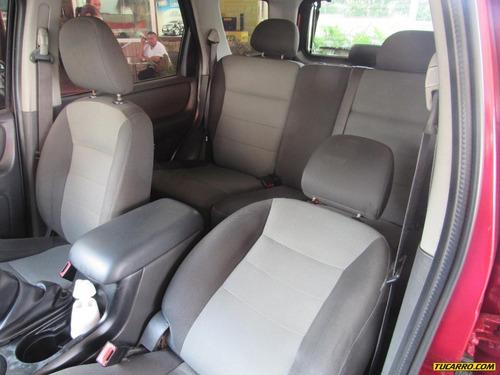 ford escape cabinado