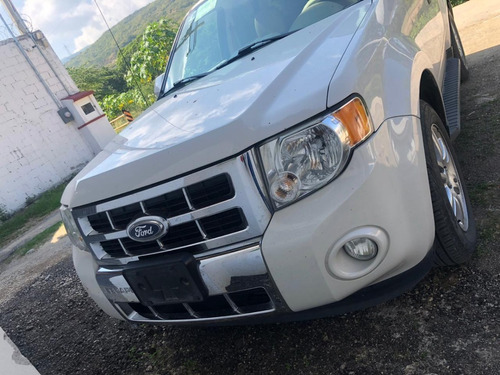 ford escape limited v6 2012