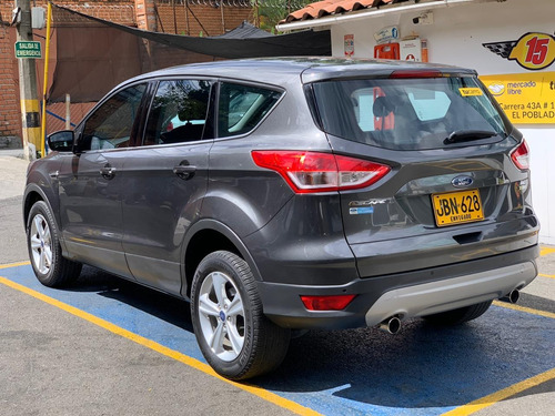 ford escape se at 2000 cc 4x2