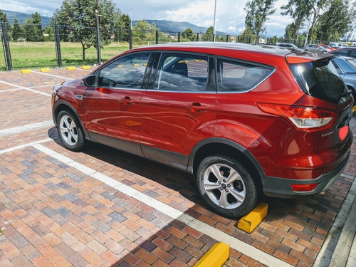 ford escape se at 5p
